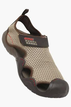CROCSWomens Casual Wear Velcro Closure Flip Flops