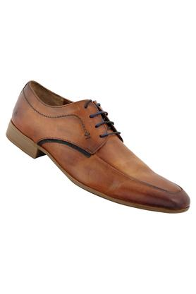 U.S. POLO ASSN. Get An All New Different Look By Wearing This Pair Of Derbys For Any Formal Occasion. You Can Team It With A Shirt And A Pair Of Trousers To Walk In Style.