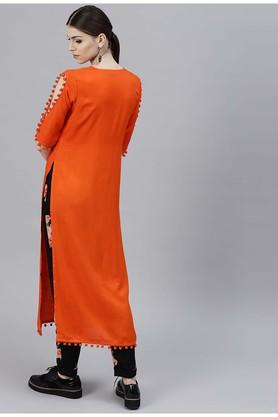 Women Rayon Solid Straight Kurta