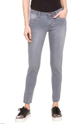 Womens 4 Pocket Mild Wash Jeans