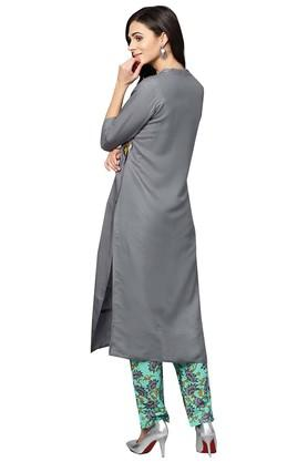 Womens Mandarin Collar Embroidered Kurta and Pants Set