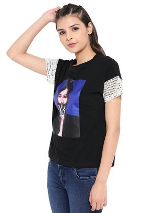 Womens Round Neck Embellished T-Shirt