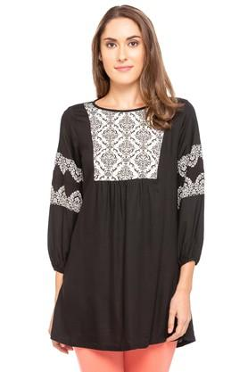 FUSION BEATS Womens Round Neck Printed Kurta