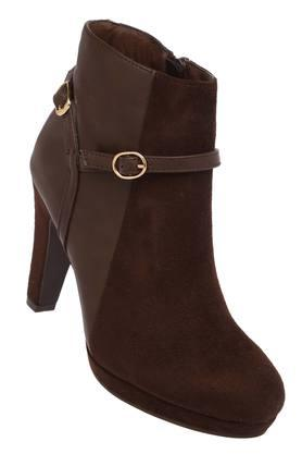 Womens Party Wear Buckle Closure Boots