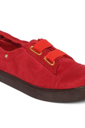 Womens Casual Wear Slip Ons