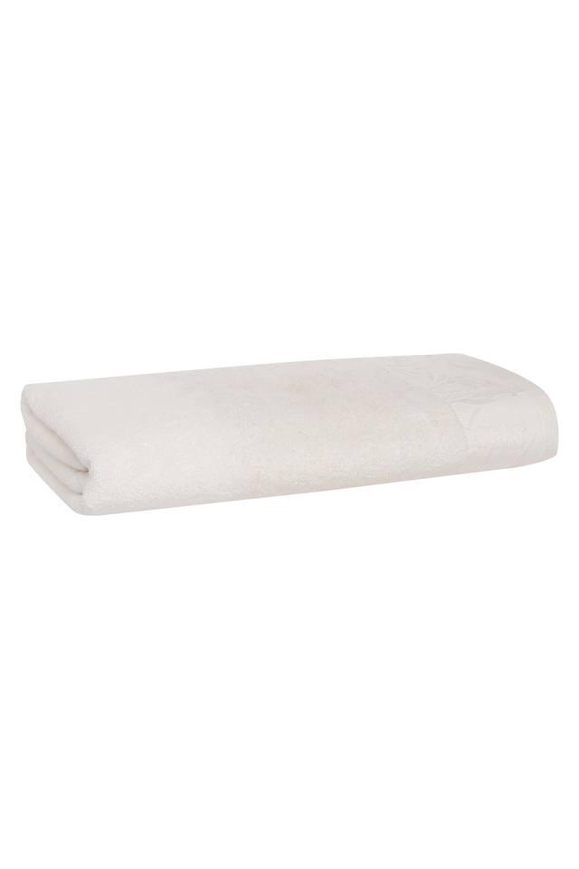 SPREAD - WhiteBath Towel - Main