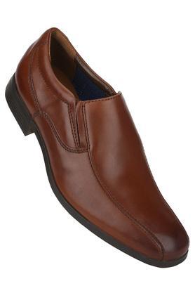 af2f3b3c4de Buy Clarks Shoes Online India | Shoppers Stop