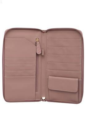 Womens Casual Wear Zipper Closure Wallet