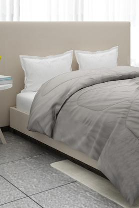 Buy Quilts Bed Comforters Online Shoppers Stop