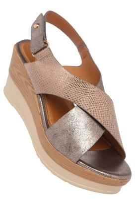 FEMINA FLAUNTWomens Casual Wear Buckle Closure Sandals - 204133655_9204