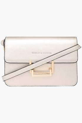 LEMON & PEPPER Womens Metallic Lock Closure Slingbag