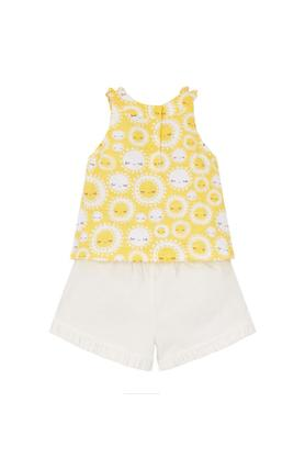 Girls Round Neck Solid Shorts and Printed Vest