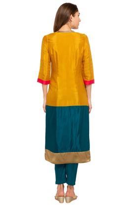 Womens Mandarin Neck Colour Block Kurta
