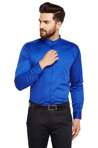 Mens Slim Fit Mandarin Collar Solid Formal Shirt