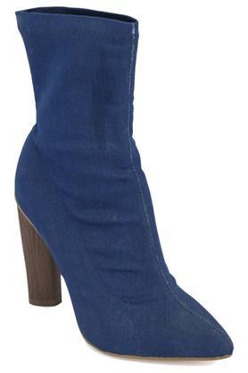 Womens Party Wear Slipon Boots