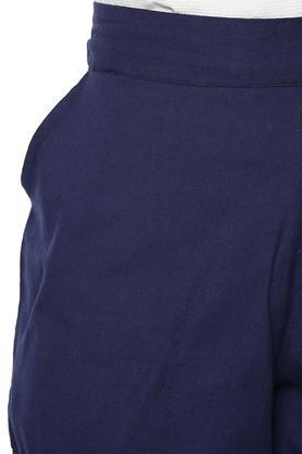 Womens 4 Pocket Solid Shorts