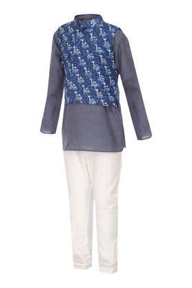Boys Mandarin Neck Printed Kurta Pyjama and Koti Set