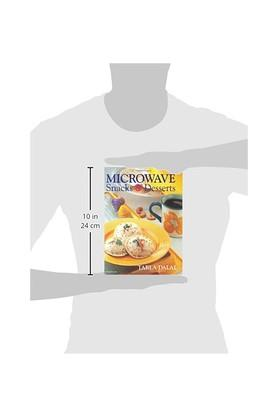Microwave Snacks and Desserts: 1 (Total Health Series)