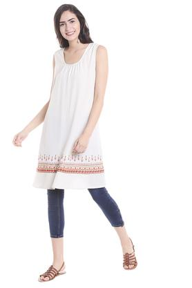 FUSION BEATS Womens Scoop Neck Printed Kurta