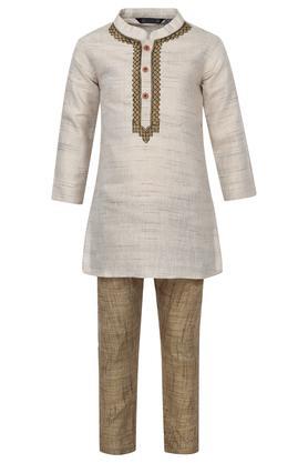 Boys Mandarin Collar Slub Kurta and Pyjama Set