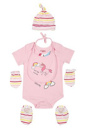 Girls Round Neck Printed Babysuit with Socks Gloves Cap and Bib