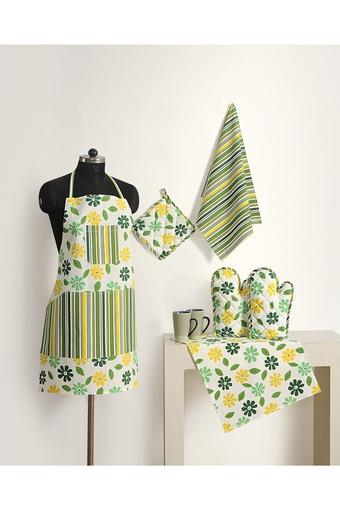 Floral Apron with Pot Holder Oven Mitts and Napkins Combo