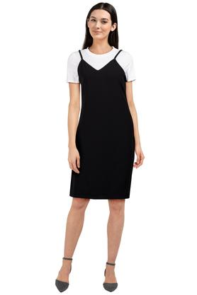 Womens Strappy Neck Solid Sheath Dress