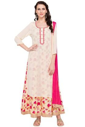 KASHISH Womens Round Neck Embroidered Kurta And Dupatta Set