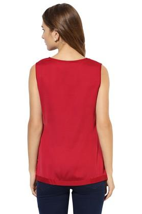 Womens Round Neck Solid Applique Top