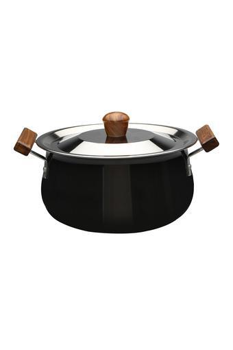 C212 - Pots & Pans - Main