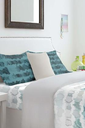 SPACESCotton Printed Double Bedsheet With Pillow Cover