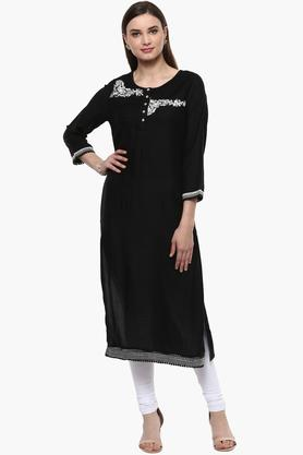 RANGRITI Womens Round Neck Embroidered Solid Kurta - 201715511