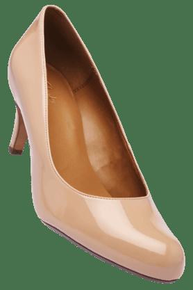 CLARKSWomens Off White Slipon Heel Sandal