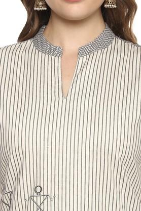 Womens Mandarin Collar Striped Kurta
