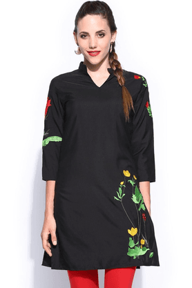 IRA SOLEIL Women Polyester With Embroidered Kurta