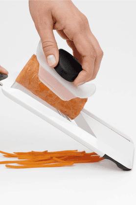 Good Grip - Hand Held Julienne Slicer