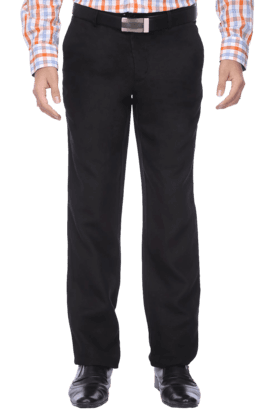 VAN HEUSENMens Flat Front Regular Fit Solid Chinos
