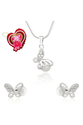 MAHI White Artificial Pearl Butterfly Pendant Set With CZ With Heart Shaped Card For Women NL5101773RCd