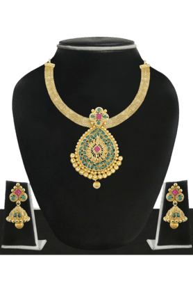 ZAVERI PEARLS Womens Gold Plated Necklace Set - 200929088