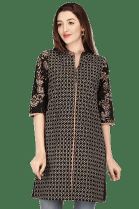 WWomen Cotton Embroidered Kurta