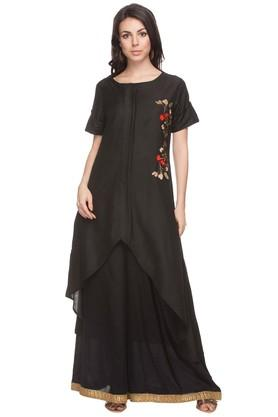 KASHISH Womens Floral Embroidered A-Line Kurta