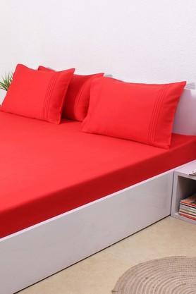 HOUSE THISSolid 100% Cotton Sateen King Bedsheet & 4 Pillow Covers - Red