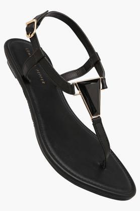 LEMON & PEPPERWomens Casual Wear Buckle Closure Wedge Sandals
