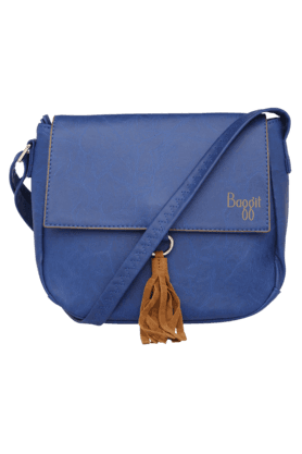 BAGGIT Womens Leather Snap & Zipper Closure Sling Bag