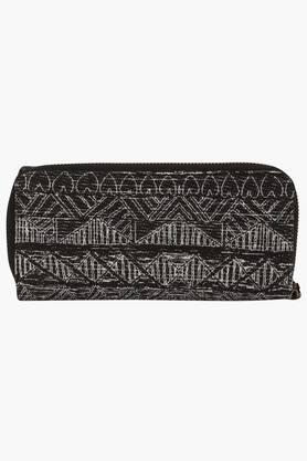 Womens Snap & Zipper Closure Wallet