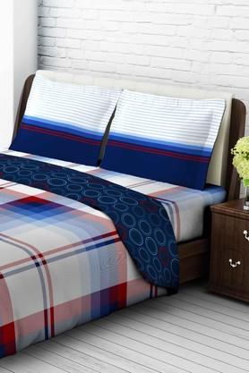 TANGERINETangy Orange Cotton Double Bedsheet With 2 Pillow Covers - Blue & Red