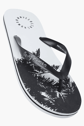 780df4629628 Buy BEING HUMAN Mens Casual Printed Slippers