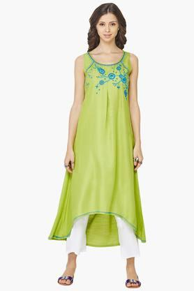 GLOBAL DESI Women Embroidered Round Neck Kurta