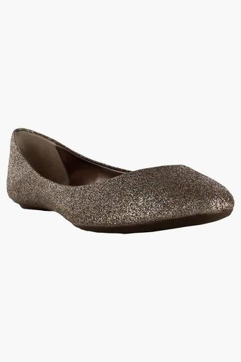 3869329a50450 Buy STEVE MADDEN Womens Party Wear Slipon Ballerina Shoes   Shoppers Stop