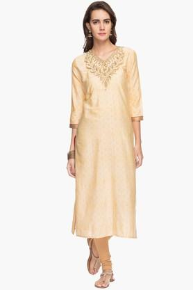 RS BY ROCKY STAR Womens Embroidered V-neck Kurta
